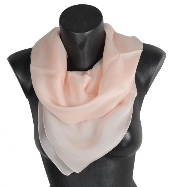 Grand carré en mousseline de soie rose clair